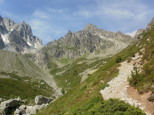 Heading up the trail to the Fenetre D'Arpette