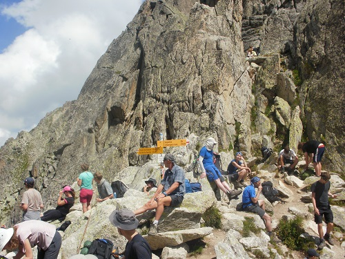 The crowded summit of the Fenetre D'Arpette